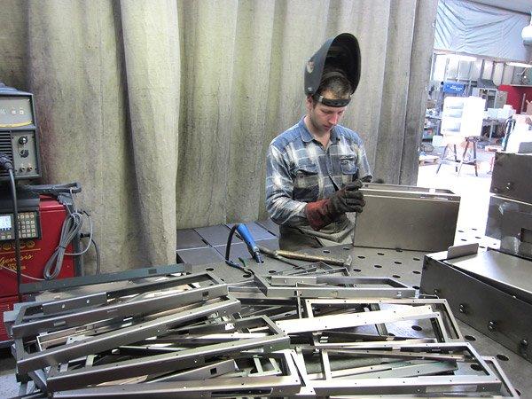 этот день производство готовых металлических изделий ООО, магазин ортопедических